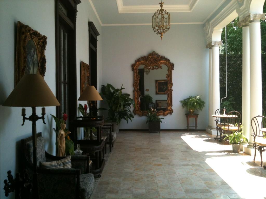 Marytour at merida casa azul mexico boutique hotels for Casas con patio interior