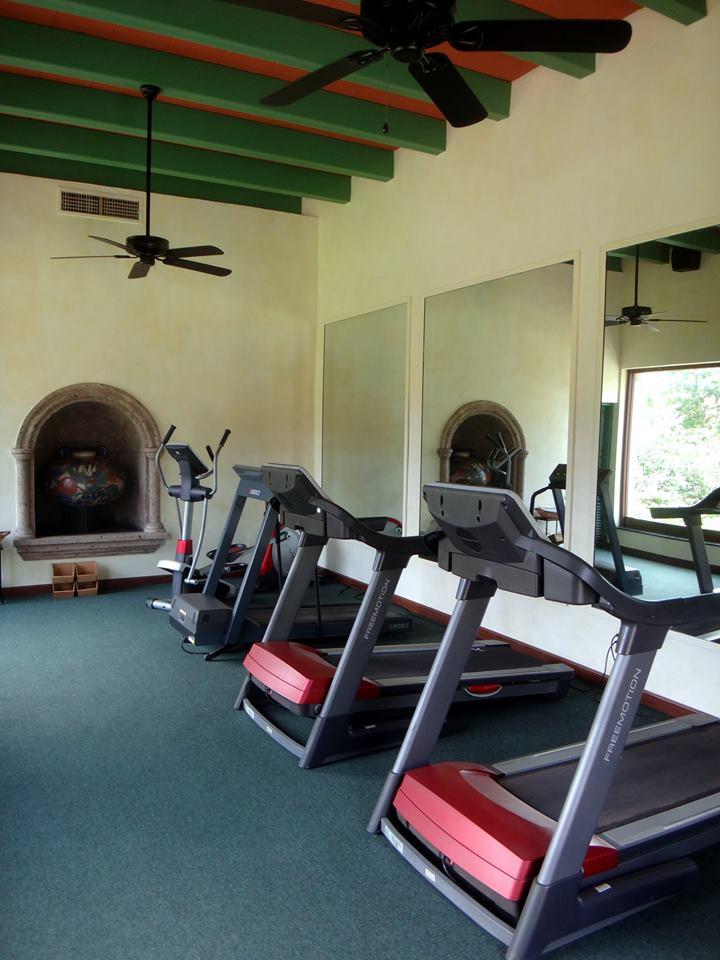 gimnasio-hacienda-de-los-santos